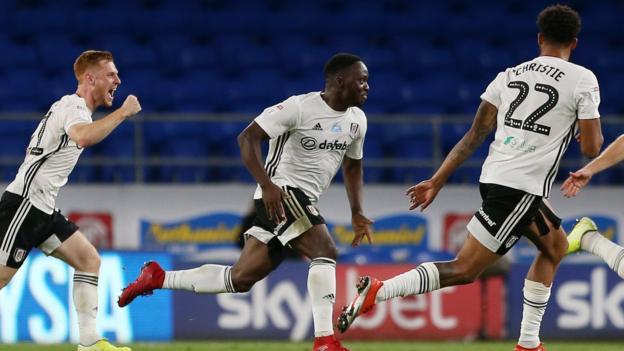 Cardiff City 0-2 Fulham: los propietarios de cabañas tienen la ventaja después de la victoria de ida